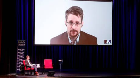 US lawsuit against Snowden is a warning to other whistleblowers to keep their mouths shut, says fellow whistleblower