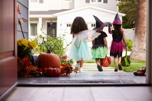 Mom terrified of Halloween posts job ad to take her kids trick-or-treating