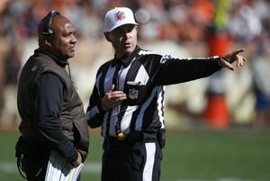 Gordon, Rivers lead Chargers to 38-14 blowout of Browns