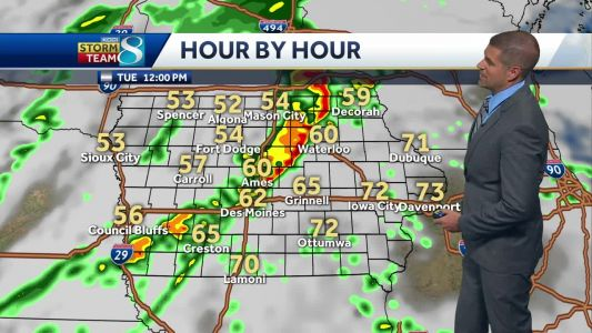 Storms reach the metro by noon