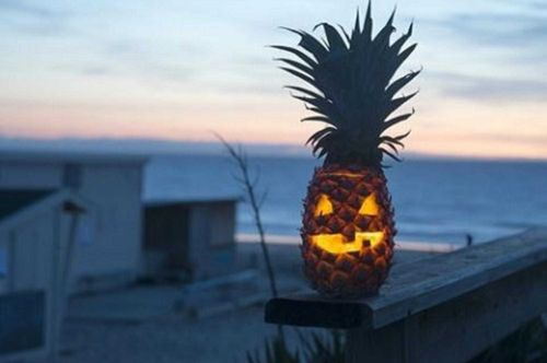 Pineapple jack-o'-lanterns are the best things since piña coladas