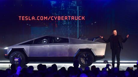 Fragile glass, handle with care: BULLETPROOF windows on Elon Musk's electric truck crack during awry live demo