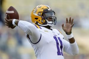 LSU freshman Finley thrives, Tigers stop So. Carolina, 52-24
