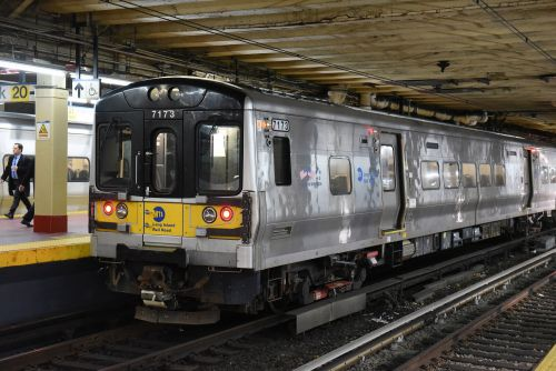 LIRR suspends service to Hamptons, Montauk all day after train derailment