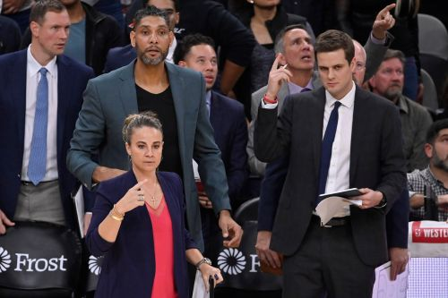Becky Hammon coaching confusion ensues after Gregg Popovich ejection