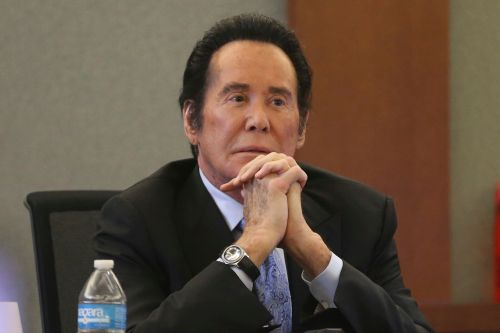 Wayne Newton tells jury he fired gunshot as burglars fled