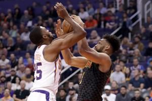 Oubre Jr. scores season-high 30, Suns beat Hawks 128-112