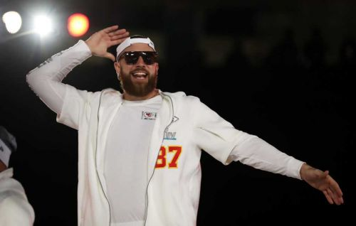 ESPN: Chiefs TE Travis Kelce joining J-Lo, A Rod and others in bid to purchase NY Mets