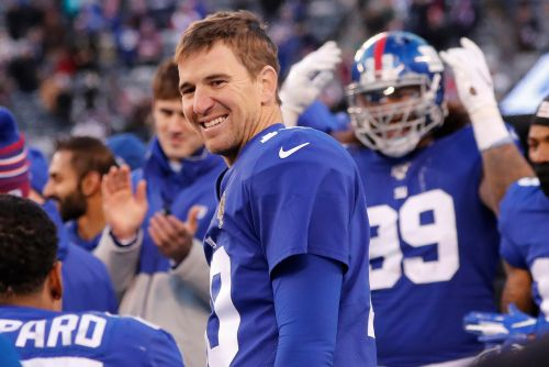 Inside Eli Manning's electrifying Giants speech: 'F-k it!'