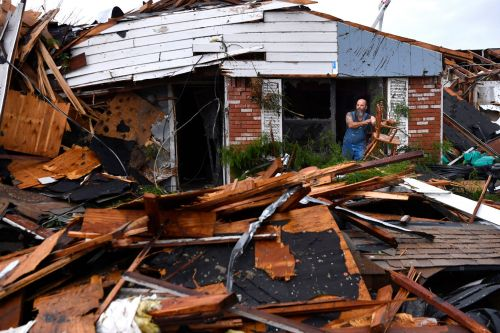 Central US braces for severe storms and tornadoes