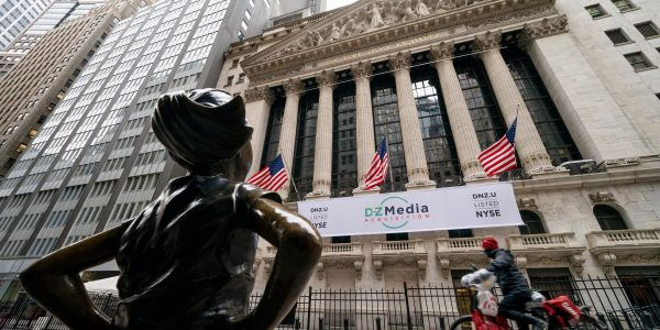 US tech rout set to continue after rising bond yields drive sharp sell-off, while bitcoin plunges again