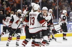 Hinostroza gets shootout winner as Coyotes beat Oilers 3-2