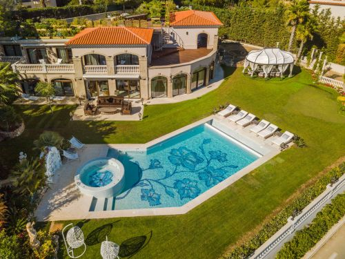 Vegetable gardens, swimming pools, and a suite for the nanny: This is the post-lockdown shopping list for wealthy Europeans' second homes