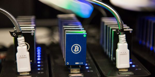 Bitcoin tumbles another 6%, extending biggest slide since COVID-19 struck