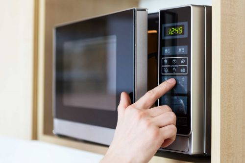 PSA: You should be wiping your microwave down daily
