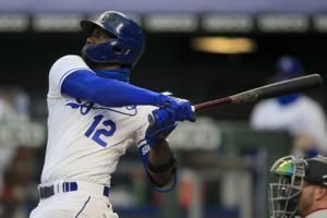 Soler's 2 homers helps to power Royals to 9-6 win over Twins