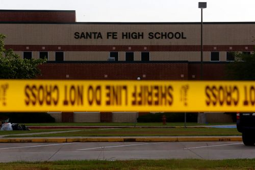 Texas pols consider airport-like security at public schools