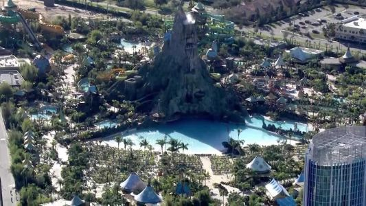 Man claims in lawsuit he ended up paralyzed after riding waterslide at Volcano Bay