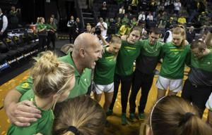 No. 1 Oregon routs Northeastern in season opener
