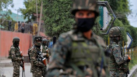 2 police officers killed in Kashmir after militants attack convoy ahead of India's Independence Day