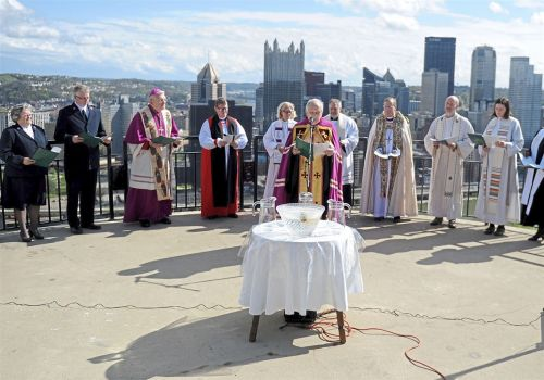 Easter blessing refreshes Pittsburgh with sprinkling of holy water from the mount