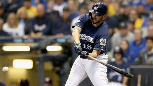 MLB hot stove: Mets have discussed signing infielder Mike Moustakas, report says