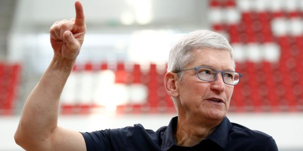 Apple just announced its 5th stock split in history. Here's what that means - and how many shares you'd have if you bought one before its first split in 1987