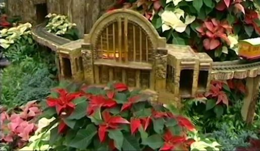 Krohn's whimsical holiday show is open for the season