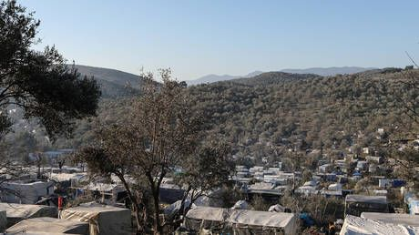 Greek island residents protest over overcrowded migrant camps