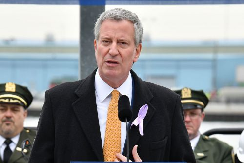 De Blasio vows to end contract with city's wireless network provider