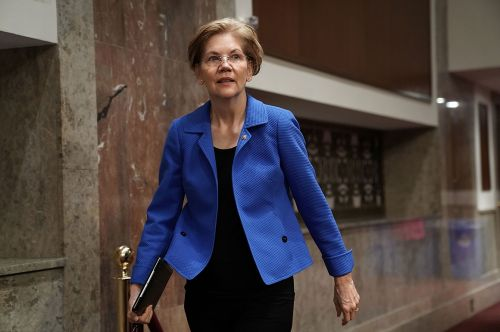 'It's not like she hates lobbyists': Warren's Senate record doesn't match her campaign rhetoric