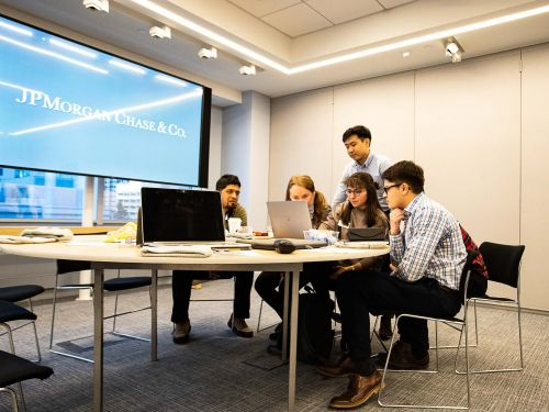 JPMorgan Chase hires 1,000 entry level employees each year in its tech division. It's now using a virtual internship to help pinpoint promising talent to compete against Amazon, Google, and other Silicon Valley giants for workers