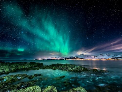 12 stunning photos of places that naturally glow in the dark