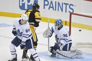 O'Connor, Pettersson help Penguins rout Maple Leafs 7-1