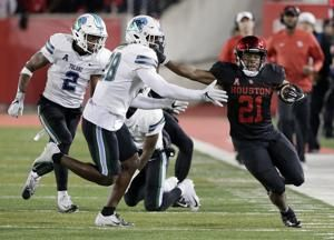 Patrick Carr runs for 139 yards; Houston beats Tulane 48-17