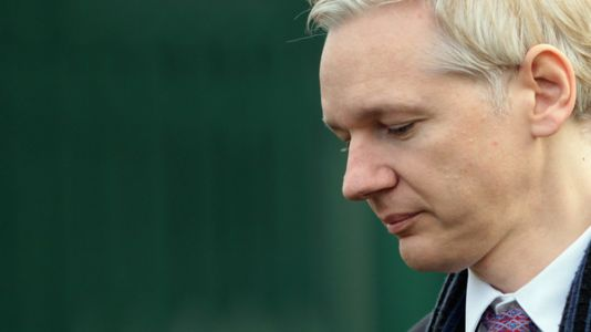 How A 'Court Records Nerd' Discovered The Government May Be Charging Julian Assange