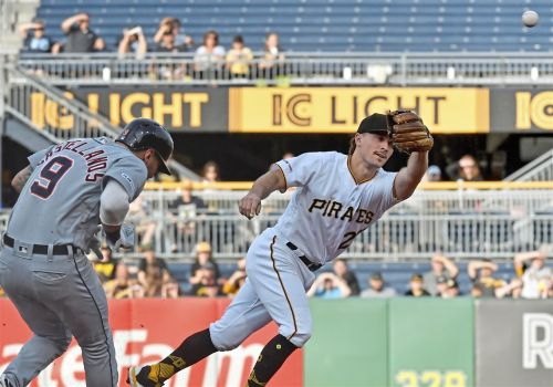 Fielding miscues cost Pirates in 5-4 loss to Tigers