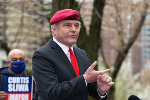 Curtis Sliwa vows to end animal 'kill' shelters in NYC if elected mayor