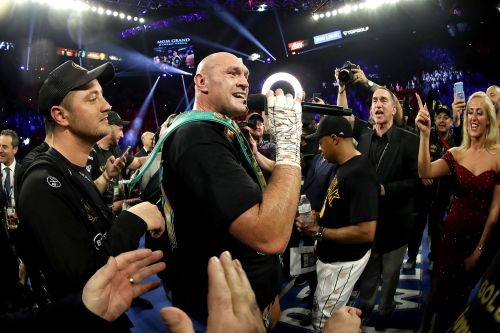Tyson Fury serenades crowd with 'American Pie' after beating Deontay Wilder
