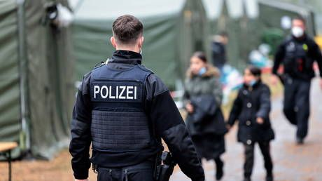21 Iraqis on their way to UK detained by German police after crossing border illegally from Poland