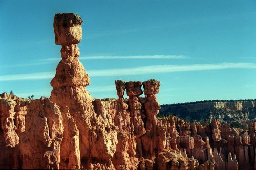 Four dead, 30 injured in tour bus crash near Bryce Canyon National Park