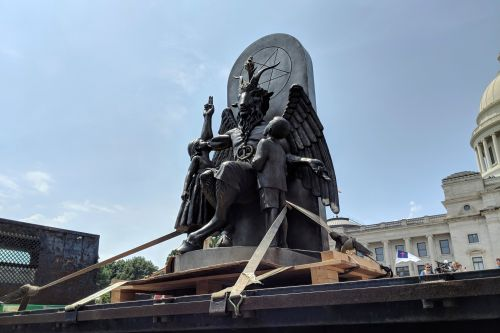Satanists unveil Baphomet statue at Arkansas Capitol