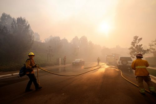 Silverado Fire: California blaze forces 60,000 people to evacuate their homes