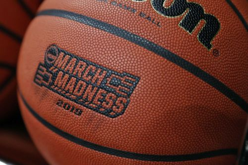 March Madness arrives: Round 1 of NCAA Tournament underway