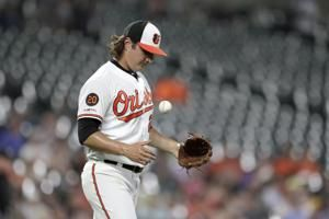 Orioles set mark for HRs allowed in late-night loss to Rays