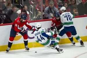 Capitals trade Stephenson to Golden Knights for 5th-rounder