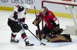 Hinostroza has 2 goals, assist as Coyotes top Senators 3-2