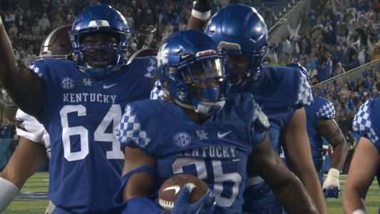 AP Top 25: Kentucky enters rankings for 1st time since 2007
