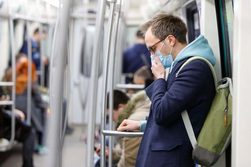 Experts say face masks can help slow COVID-19, despite previous claims