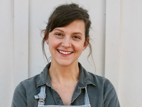 An amateur baker shares the 5-step strategy she used to launch pop-up shops around Texas before opening her own store
